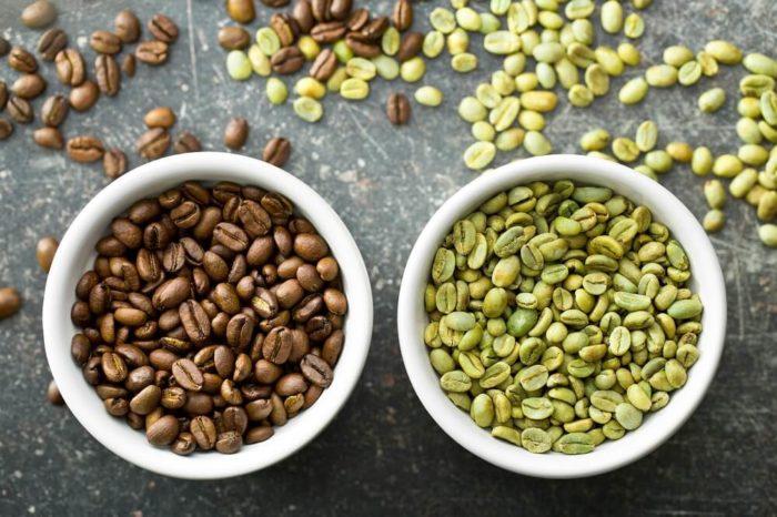 Kaffeebohnen geröstet und roh