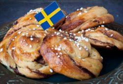 schwedische Fika Kranzbrötchen Flagge