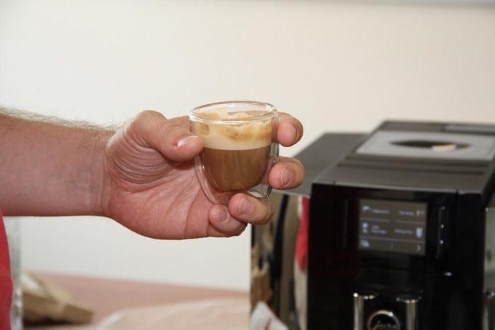 Jura E8 Espresso Macchiato