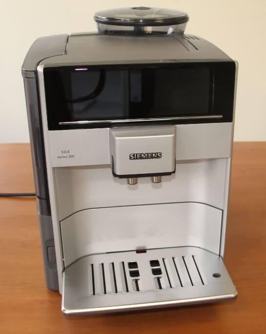 Siemens EQ6 300 von vorne