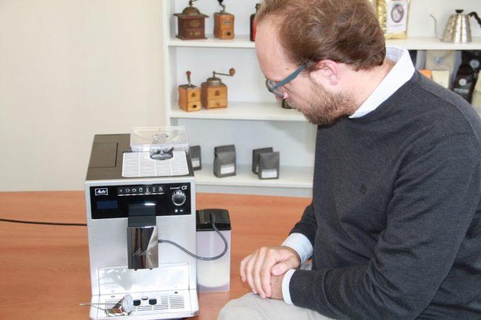 Melitta Caffeo CI mit angeschlossenem Milchsystem-Behaelter