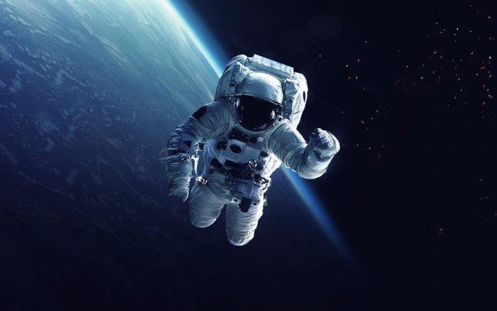 Astronauten-Weltall-Schwerelosigkeit