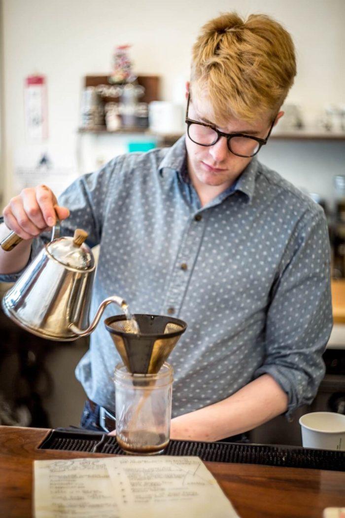 Barista-brüht-Kaffee