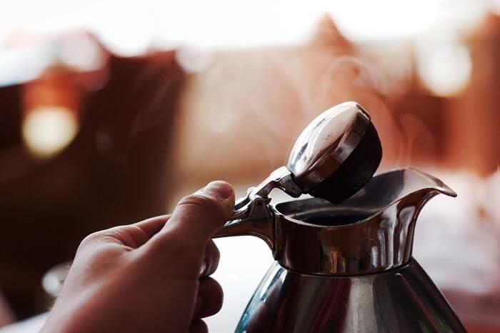 Heißer Dampf aus einer Kaffeekanne