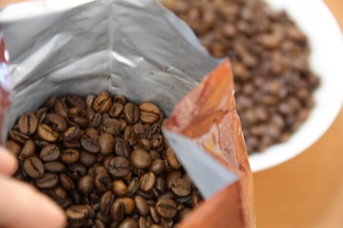 Segafredo Selezione Crema geöffnete Verpackung und Bohnenbild
