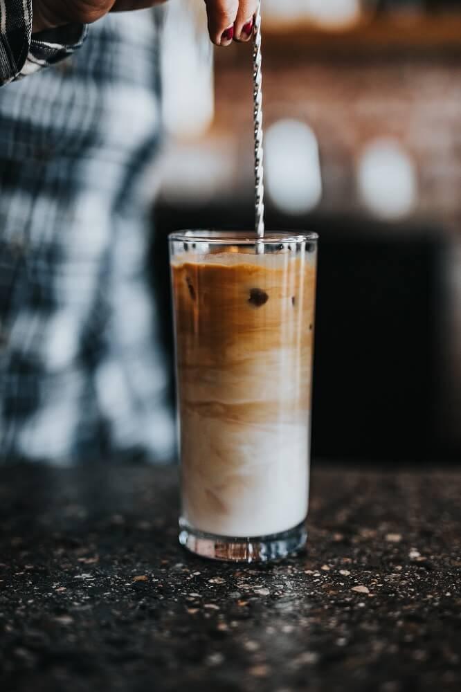 Klassischer Eiskaffee