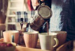 Espressokocher Kaffee servieren