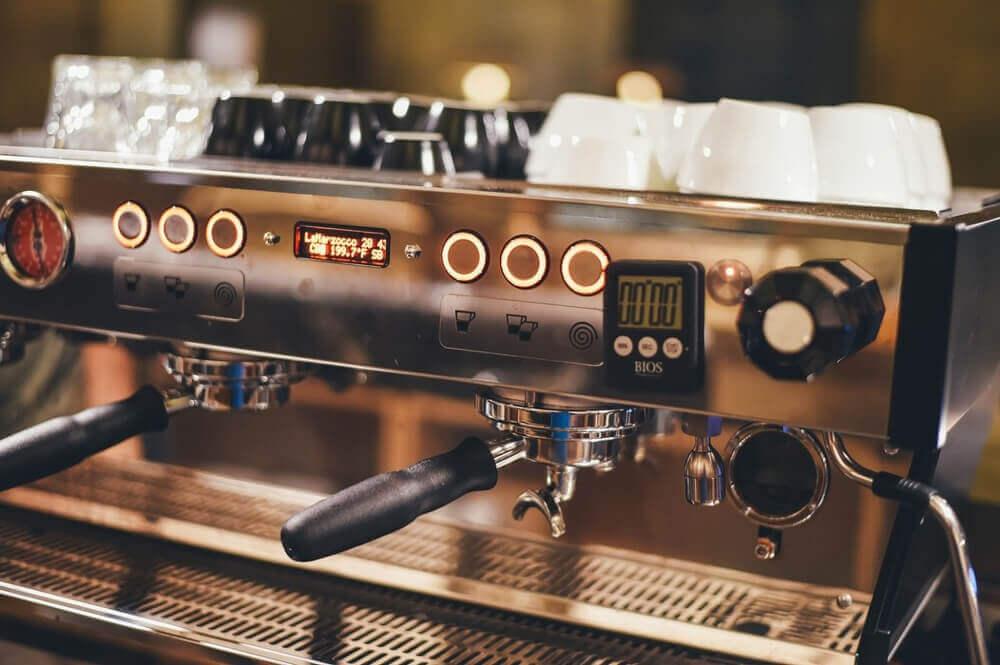 Siebträgermaschine für einen Ristretto oder Espresso