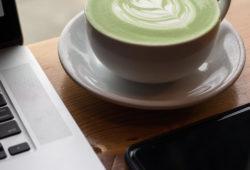 Latte Art mit Matcha