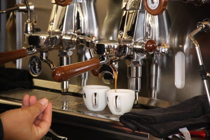 Espresso von Mocambo aus der Siebträgermschine